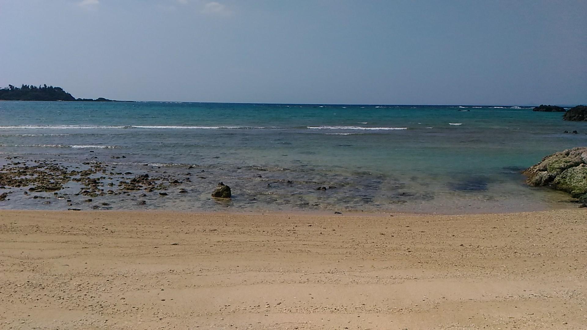 目の前のビーチ 沖縄 干潮時のビーチ | 沖縄民宿☆美ら海くん