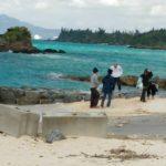 琉球大学学生によるビーチクリーンボランティア