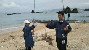 名嘉真のビーチで釣り