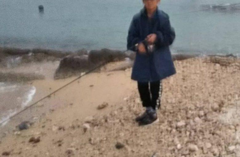 【登校前に釣り】この小学生がガチですごいらしい